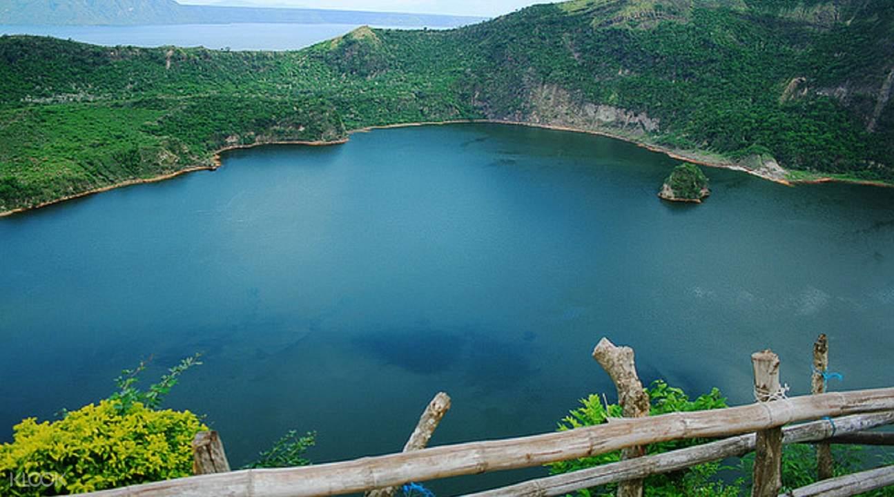 俯瞰火山的风景,还可享用一顿宁静的野餐